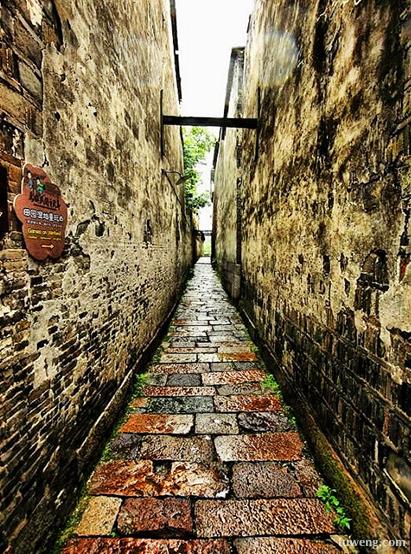 等你,在悠长悠长的雨巷