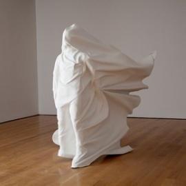 令人窒息的雕塑装置艺