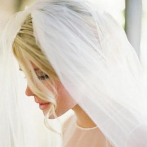 唯美的新娘头纱图片
